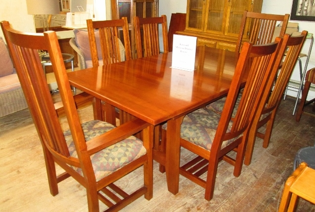 Kincaid Dining Room Table w/ 2 Leaves & 6 Chairs